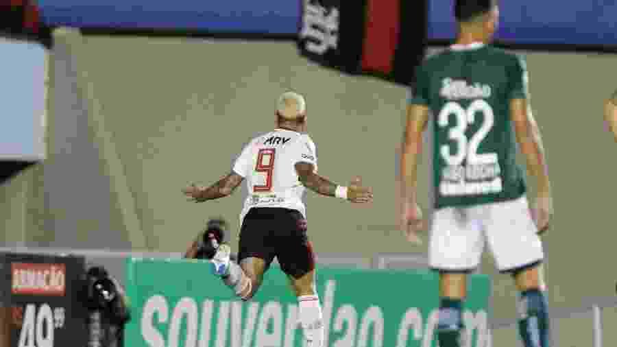 Flamengo, do artilheiro Gabigol, vai enfrentar o Corinthians no Maracanã - Heber Gomes/Agif