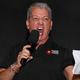 Voz oficial do UFC, Bruce Buffer compara MMA ao pôquer durante evento em SP