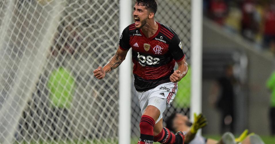 Gustavo Henrique abre o placar para o Flamengo contra o Barcelona-EQU pela Libertadores