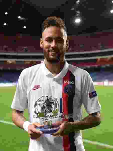 Neymar foi eleito o melhor em campo na partida contra a Atalanta - Reprodução/Instagram @neymarjr