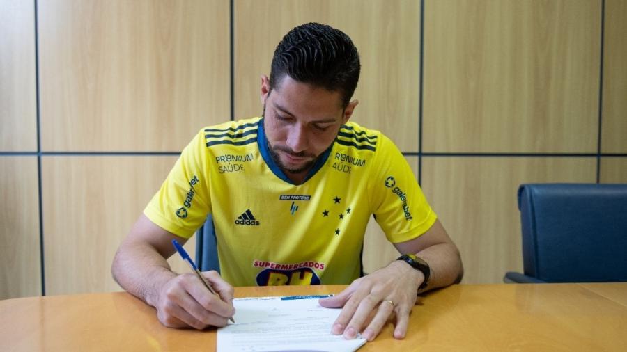 Lucas França chegou para as categorias de base do Cruzeiro em 2011, e foi promovido ao elenco principal em 2016 - Bruno Haddad/Cruzeiro