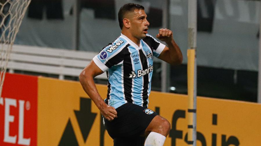 Diego Souza é o artilheiro do Grêmio na temporada e encara o Caxias pelo Gauchão - Maxi Franzoi/AGIF
