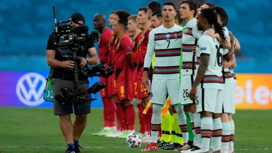 Cristiano Ronaldo antes de partida entre Bélgica e Portugal, pelas oitavas de final da Eurocopa - Getty Images