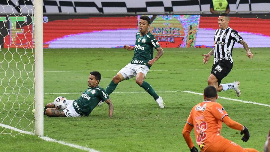 Dudu marca para o Palmeiras contra o Atlético-MG na Libertadores - GUSTAVO RABELO/PHOTOPRESS/ESTADÃO CONTEÚDO