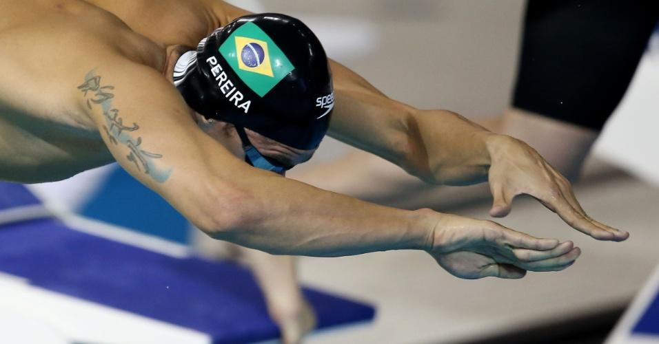 Thiago Pereira caiu na água na terceira bateria dos 400m medley, terminou em segundo e foi para a final