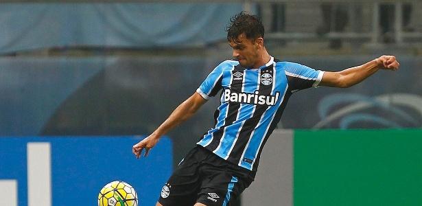 Rafael Thyere, zagueiro do Grêmio, não estará com a delegação em São Paulo