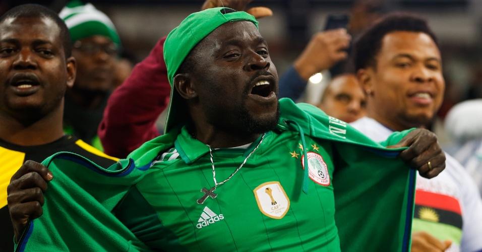 Nigerianos comparecem a Arena Corinthians para partida contra a Colômbia
