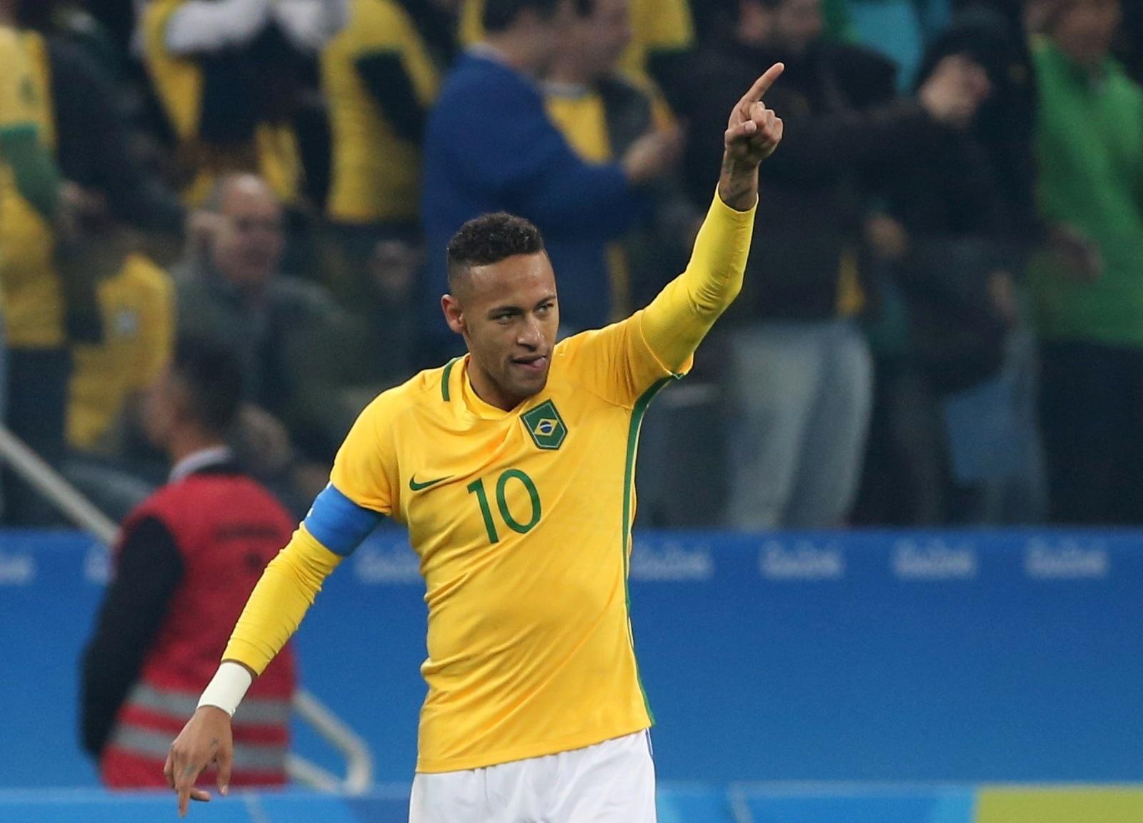 Neymar comemora o primeiro gol do Brasil diante da Colômbia