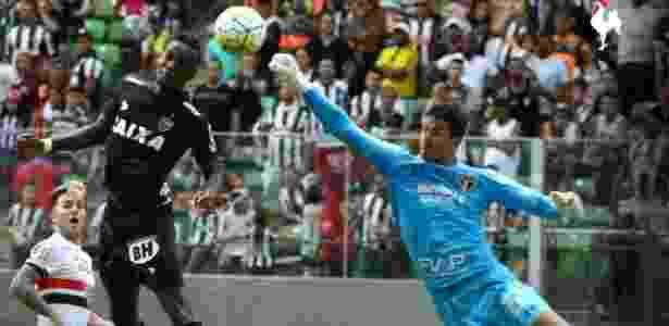 Renan Ribeiro falha em gol do Atlético-MG sobre o São Paulo - Atlético-MG/Divulgação - Atlético-MG/Divulgação