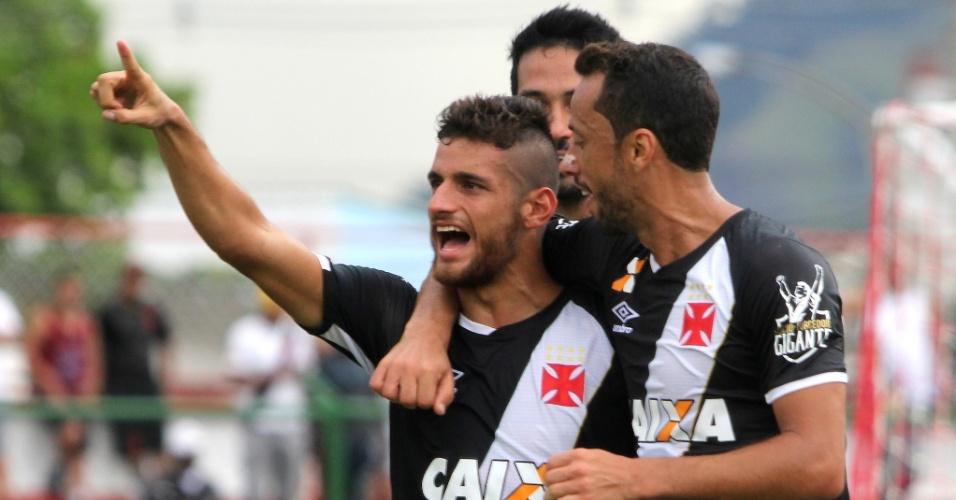 Guilherme Costa marca para o Vasco contra o Bangu