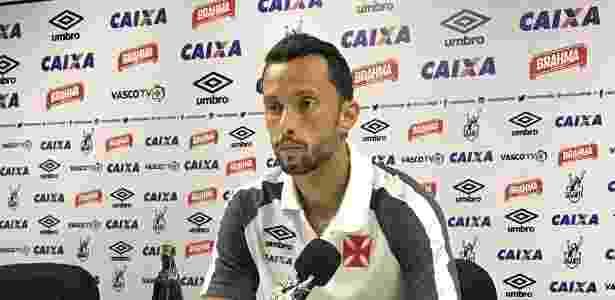 Nenê ficou irritado com as perguntas na entrevista coletiva do Vasco - Bruno Braz / UOL Esporte - Bruno Braz / UOL Esporte