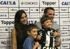 Montillo vê discriminação e desabafa após filho ser recusado em escola - Bruno Braz / UOL Esporte