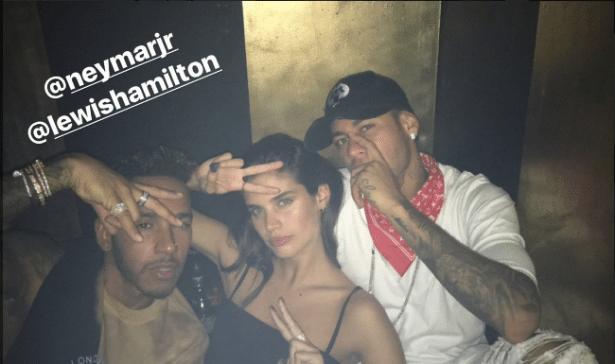 Hamilton e Neymar curtiram festa com a modelo Sara Sampaio
