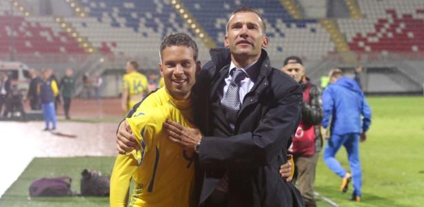 Agora naturalizado ucraniano, o ex-são-paulino Marlos abraça o técnico Shevchenko