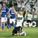 Coritiba freia embalo do Cruzeiro, vence em casa e ajuda dupla paulista