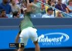 Djokovic destrói raquete após erro, mas avança à semifinal em Cincinnati - Reprodução/SporTV
