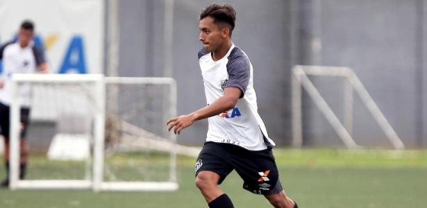 Lucas Lourenço foi convocado para integrar o elenco principal do Santos durante o treino - Pedro Ernesto Guerra Azevedo/Divulgação