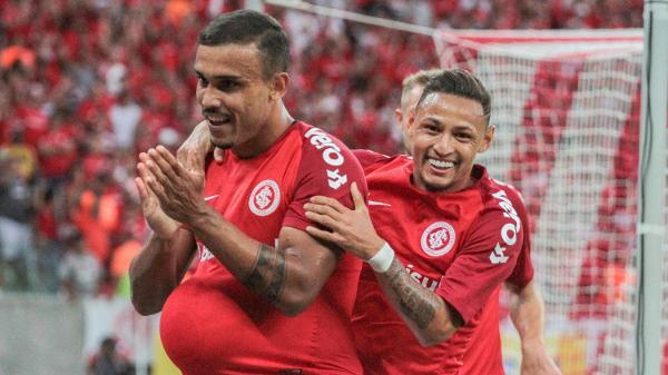 a0c63e15c46 Inter vence Caxias no Beira-Rio e salta para a vice-liderança do ...