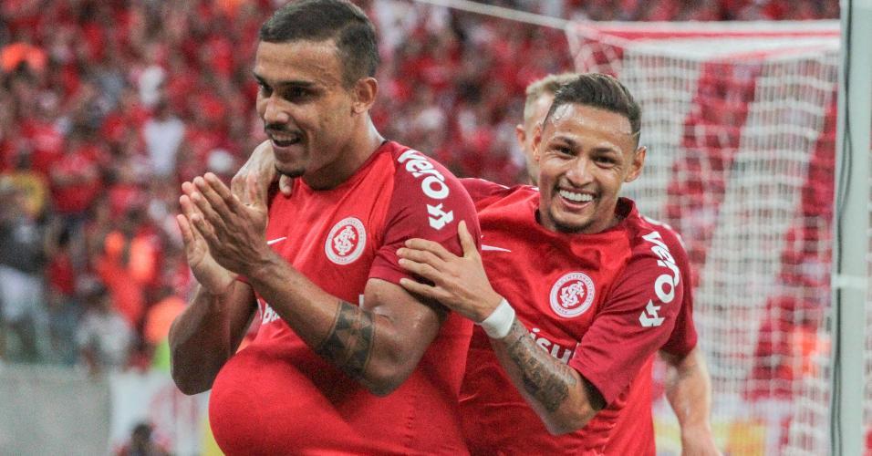 William Potker, do Inter, comemora gol sobre o Caxias pelo Gaúcho
