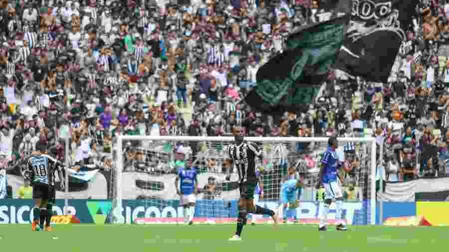 Ceará levou a melhor no duelo do primeiro turno: 4 a 0 na Arena Castelão - Pedro Chaves/Agif