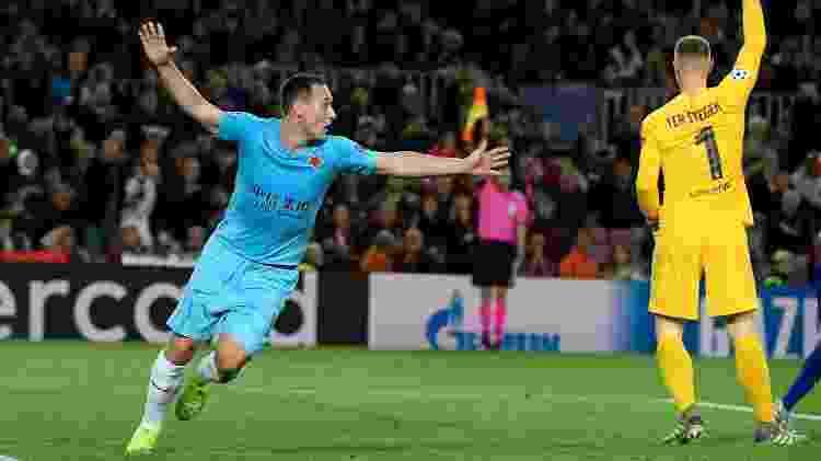 Jan Boril reage após ter gol anulado na partida Barcelona x Slavia Praga pela Liga dos Campeões - Lluis Gene/AFP