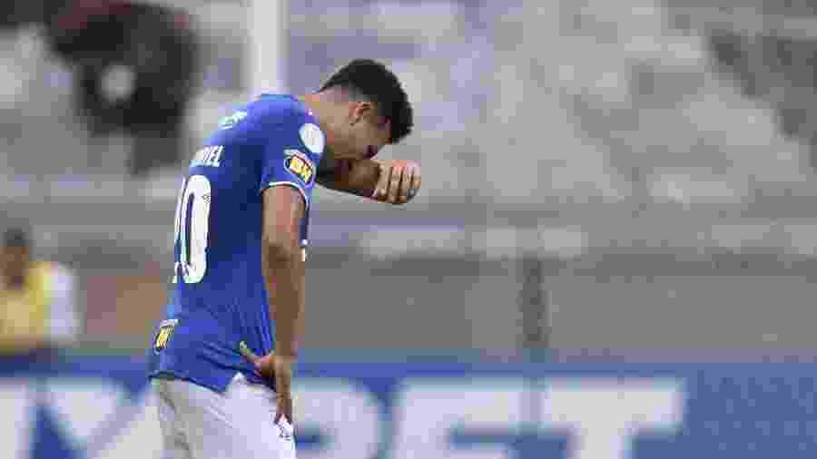 Marquinhos Gabriel lamenta rebaixamento do Cruzeiro em jogo contra o Palmeiras, em 2019 - DOUGLAS MAGNO / AFP