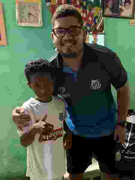 Caio, menino autor de golaço na web, vai ganhar uma chance no Santos - Divulgação/Santos FC