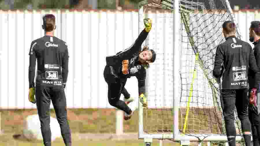 Cássio em ação no treino do Corinthians no CT Joaquim Grava - Rodrigo Coca/Divulgação