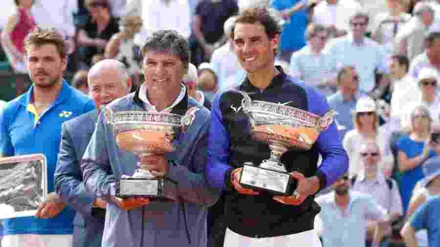O tio e treinador de Rafael Nadal, Toni Nadal ao lado do tenista - Rindoff Petroff/Suu/Getty Images
