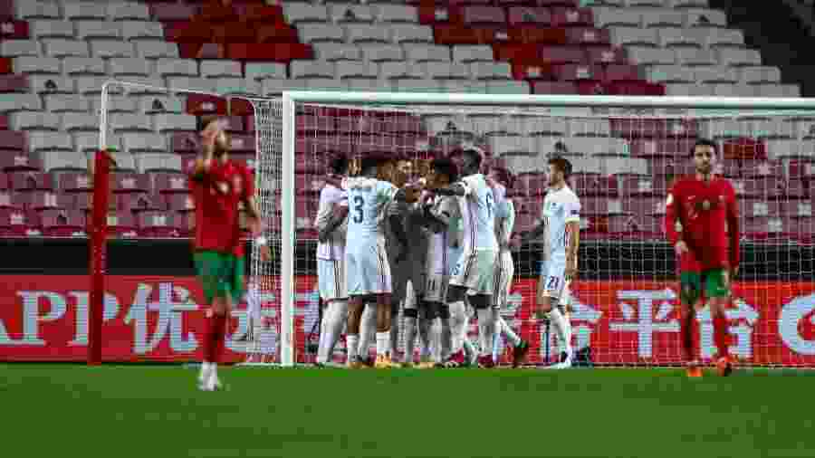 """Jogadores da França comemoram gol de N""""Golo Kanté na vitória por 1 a 0 sobre Portugal pela Liga das Nações - Carlos Rodrigues/Getty Images"""