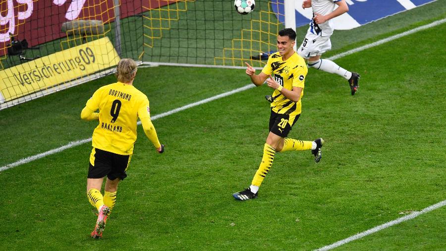 Reinier comemora gol pelo Borussia Dortmund em jogo contra o Arminia Bielefeld - Marius Becker/AFP