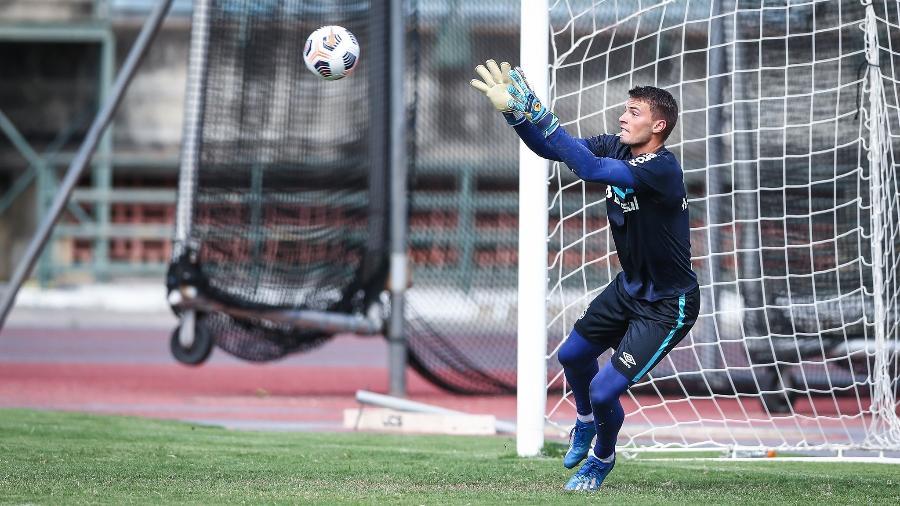 Chapecó, goleiro do Grêmio, testou positivo para covid-19 - Lucas Uebel/Grêmio