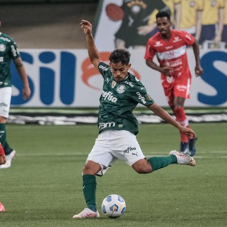 Gustavo Scarpa em ação em Palmeiras x CRB - Marcello Zambrana/AGIF