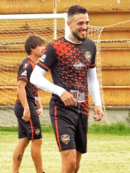 Walter Ventura é zagueiro do Puntarenas FC, da Costa Rica. Em 2018, jogou no Sudão após contatos pela internet - Reprodução/Facebook