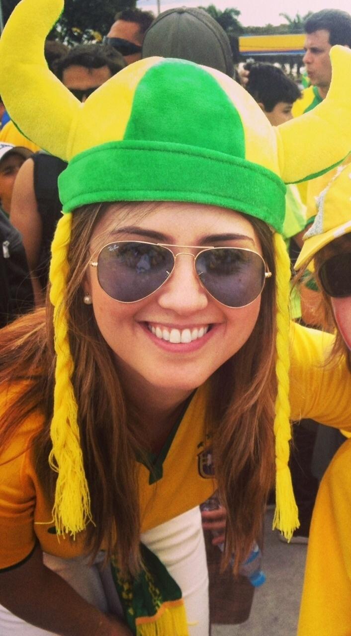 Cris Alkmin, jornalista, diz que guarda com carinho as recordações da Copa, mas não ficou até o fim do 7 a 1 por medo da violência