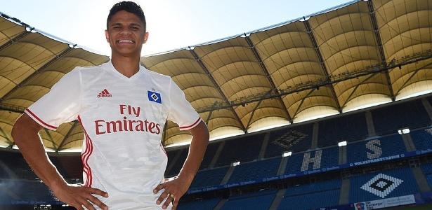 Campeão olímpico, lateral se despede do Atlético e vai defender o Hamburgo