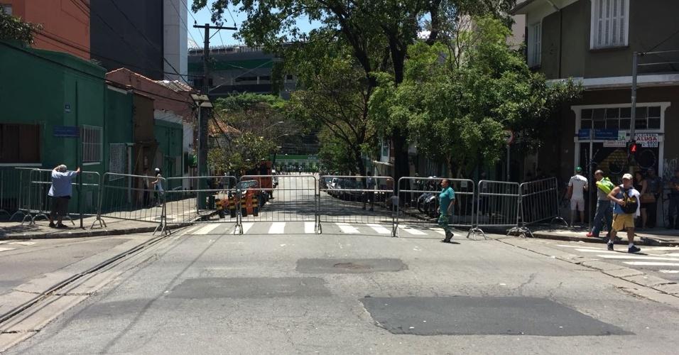 Torcedores têm a presença vetada na Rua Caraibas