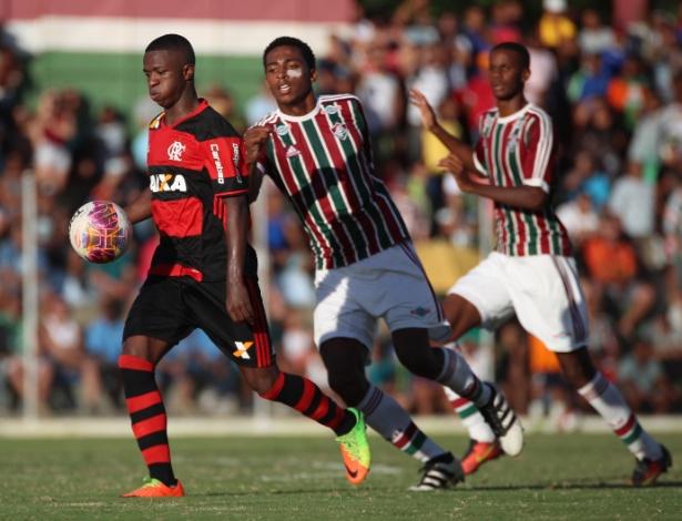 Vinicius Júnior foi o destaque do Flamengo em um dia de vitórias sobre o Fluminense