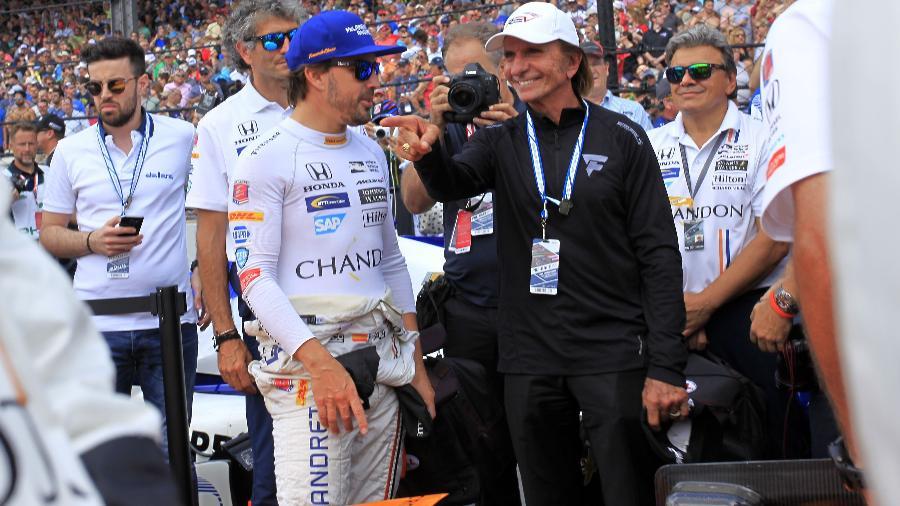 Fittipaldi conversa com Alonso antes das 500 Milhas de Indianápolis - Marc Antoine/AFP