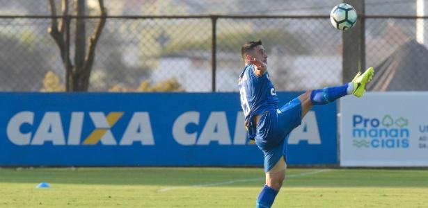 Robinho, meio-campista do Cruzeiro