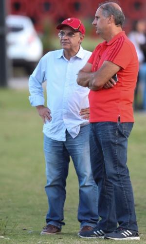 Eduardo Bandeira de Mello e Carlos Noval defendem a permanência de Barbieri no Flamengo