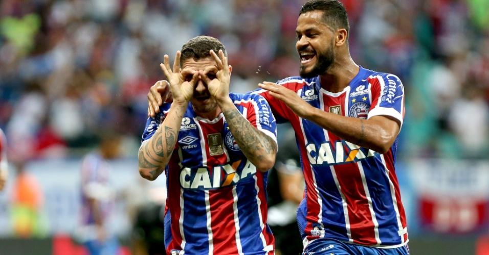 Jogadores do Bahia comemoram um dos gols sobre o Vasco na Copa do Brasil