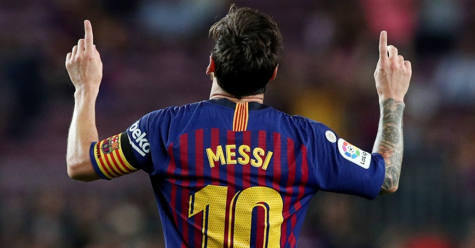 Lionel Messi comemora gol do Barcelona diante do Alavés