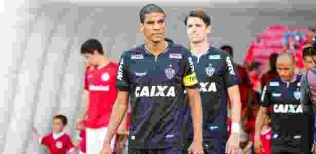 Bruno Cantini Divulgação Atlético-MG. Leonardo Silva gostaria de renovar  contrato ... 935b8eeac31be