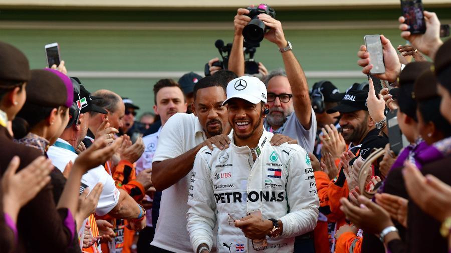 Alonso e Hamilton no GP de Abu Dhabi - Andrej Isakovic/AFP