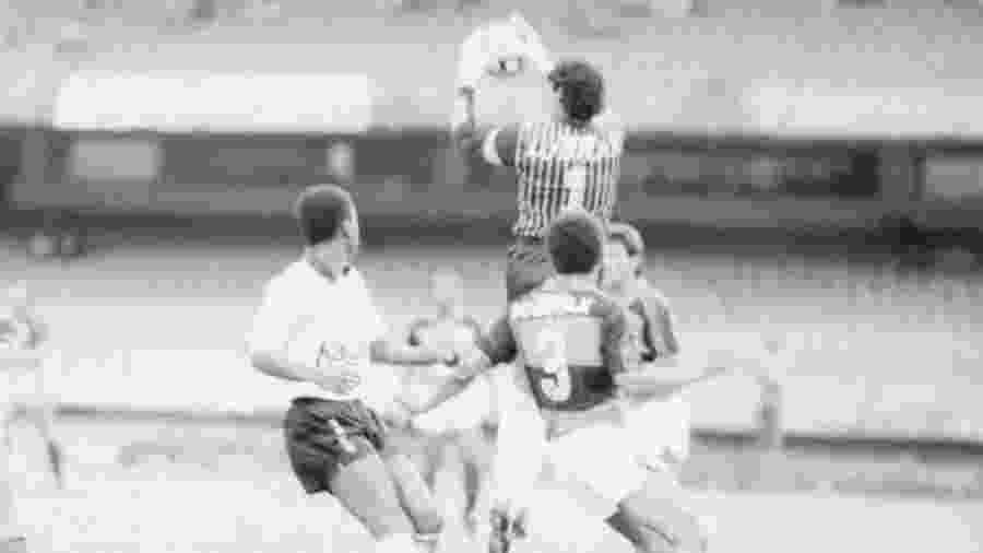 Lance do jogo Corinthians x Flamengo pela Supercopa do Brasil, em 1991 - Fernando Santos / Folhapress
