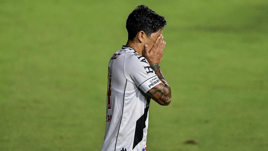 Germán Cano, atacante do Vasco, lamenta chance perdida contra o Goiás: jogadores não deram entrevistas - Thiago Ribeiro/Thiago Ribeiro/AGIF