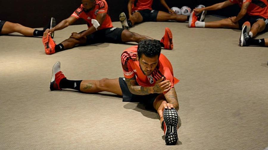 Jogadores do São Paulo treinam em hotel - Reprodução/Twitter