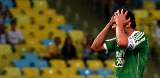 Fred está com um edema na coxa esquerda e desfalcará o Fluminense