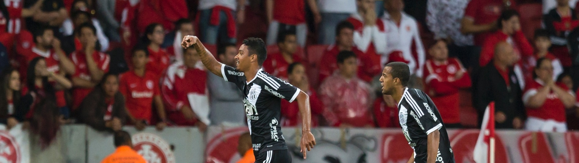 Antonio Carlos marca para a Ponte Preta contra o Internacional no Beira-Rio
